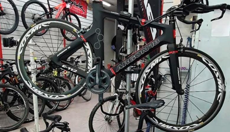 Reparació de bicicletes a l'estiu